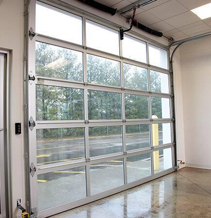 Roll Up Garage Doors In Neenah, Green Bay, Oshkosh, Waupaca, Appleton, New London, WI